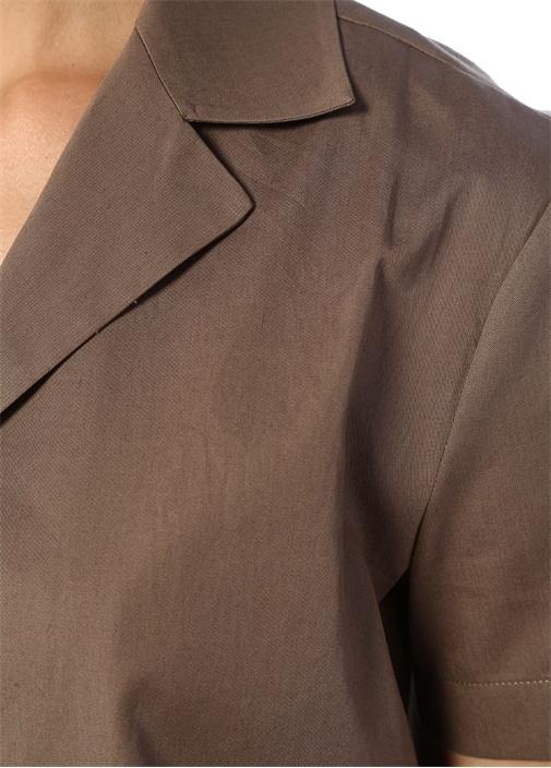 Haki Kelebek Yaka Düğmeli Kısa Kol Bluz