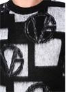 Siyah Beyaz Tüy Dokulu Logo Jakarlı Kazak