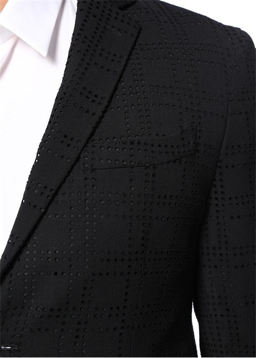 Siyah Kelebek Yaka Delik Desenli Ceket