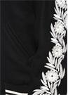 Siyah Dik Yaka Kolu Çiçek Nakışlı Yün Bomber Mont