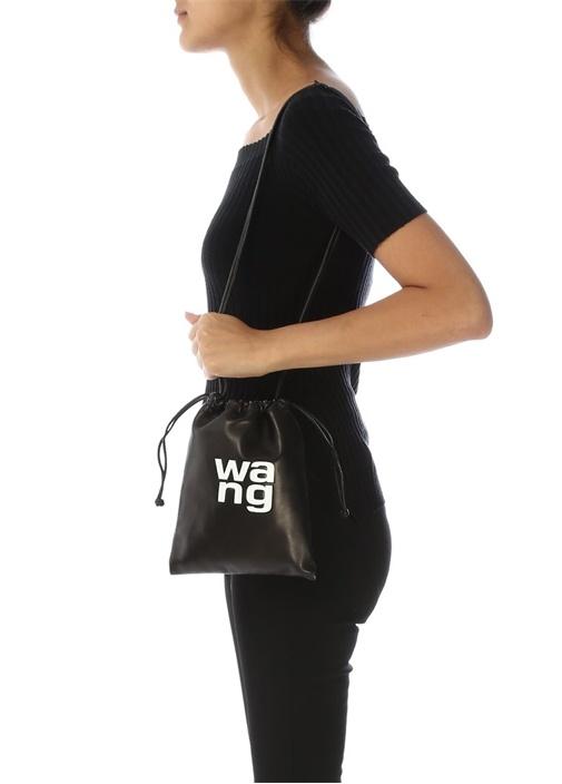 Siyah Kontrast Logolu Kadın Deri Büzgülü Çanta
