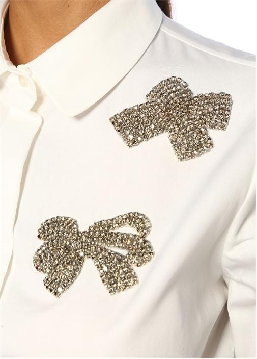 Beyaz Fiyonk İşlemeli Ucu Volanlı Gömlek