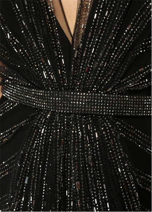 Siyah V Yaka İşlemeli Maksi Tül Abiye Elbise