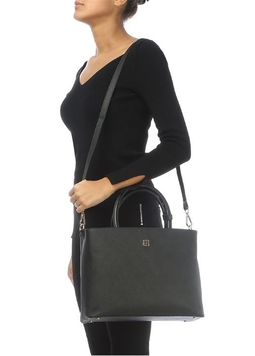 Siyah Logolu Kadın Çanta
