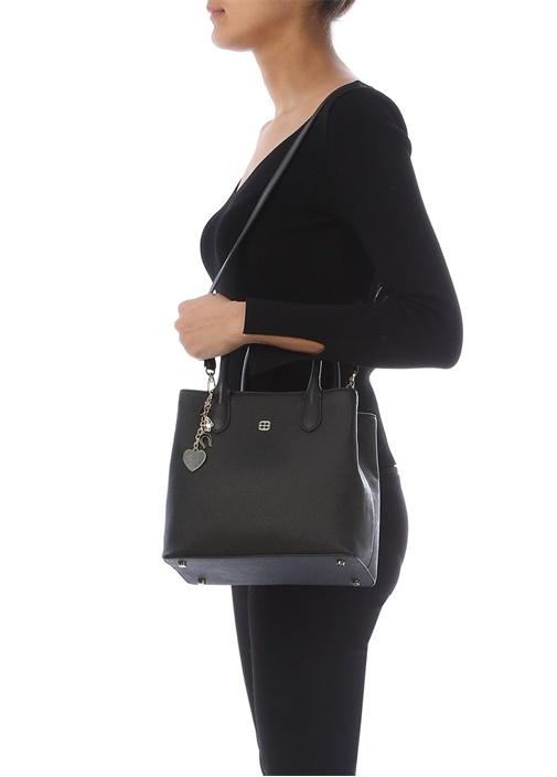 Küçük Gia Siyah Aksesuar Detaylı Kadın Çanta