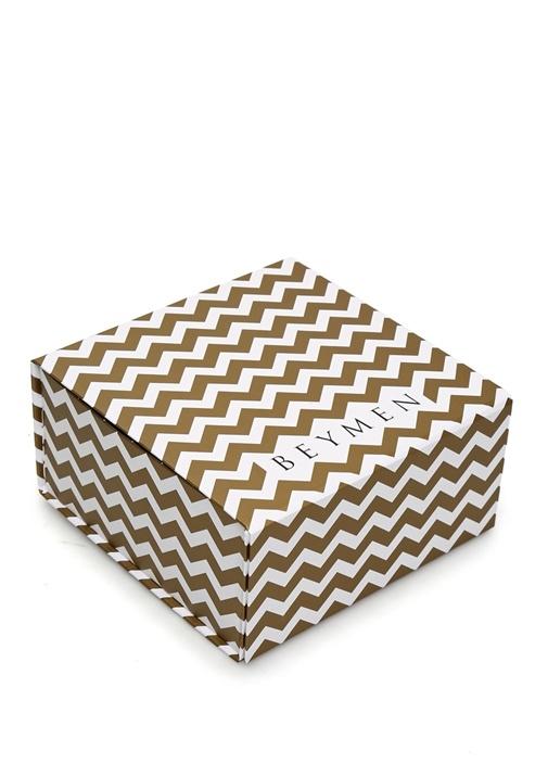 Gold Beyaz Zikzak Desenli Logolu Dekoratif Kutu