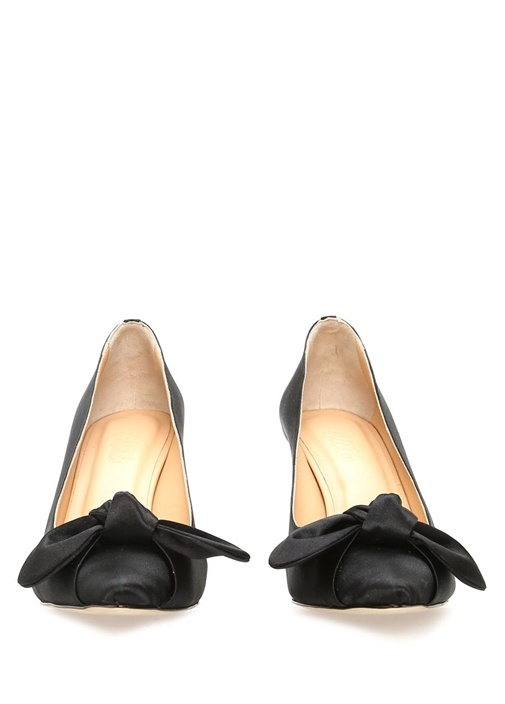 Siyah Fiyonklu Saten Topuklu Ayakkabı