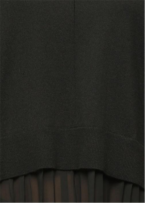 Siyah Etek Ucu Şifon Plise Detaylı Kazak