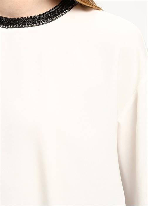 Beyaz Yakası Boncuk İşlemeli Krep Bluz