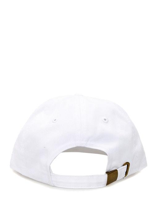Beyaz Siyah Yazı İşlemeli Erkek Şapka
