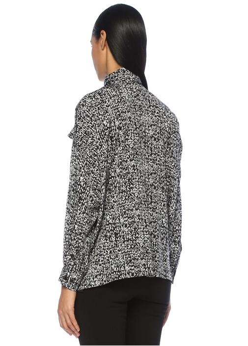 Siyah Yakası Bağcıklı Desenli Düşük Kolİpek Bluz