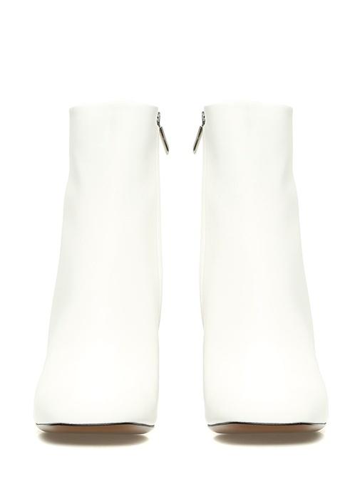 Beyaz Ahşap Topuk Detaylı Kadın Deri Bot