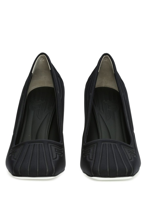 Siyah Dokulu Logolu Topuklu Ayakkabı