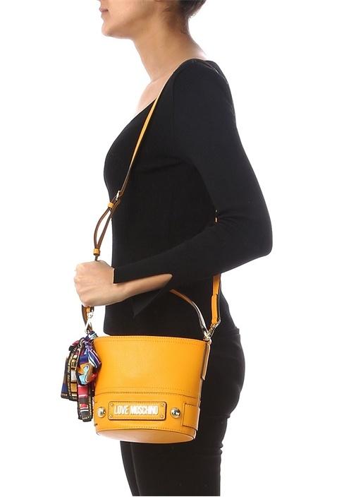 Sarı Logolu Fiyonklu Kadın Çanta