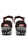 Engie Siyah Zikzak Desen Detaylı Kadın Sandalet