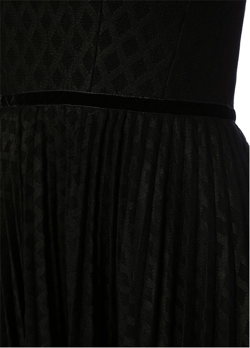 Siyah Straplez File Dokulu Pileli Mini Elbise