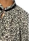 Ekru Yakası Troklu Bağcıklı Leopar Desenli Bluz