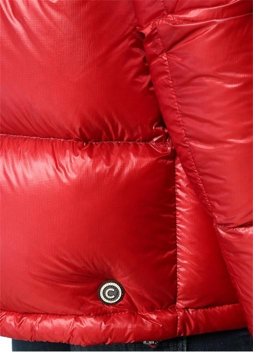 Kırmızı Kapüşonlu Logo Patchli Puff Mont