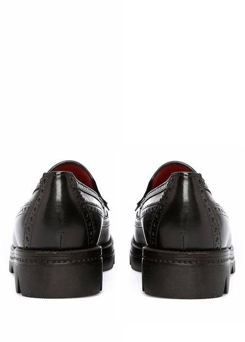 Siyah Püskül Detaylı Kadın Deri Loafer
