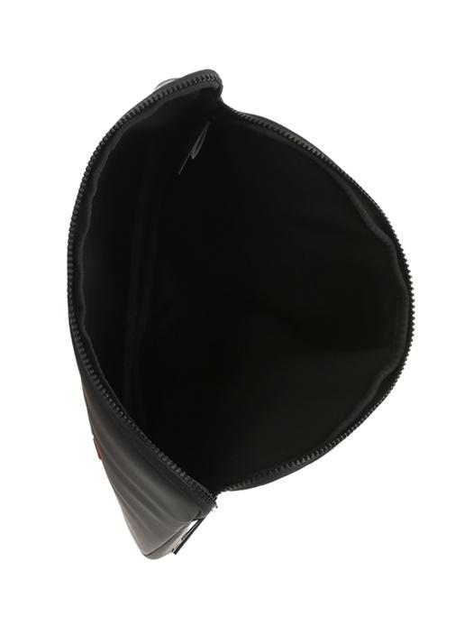 Siyah Kabartmalı Logolu Kadın Laptop Kılıfı