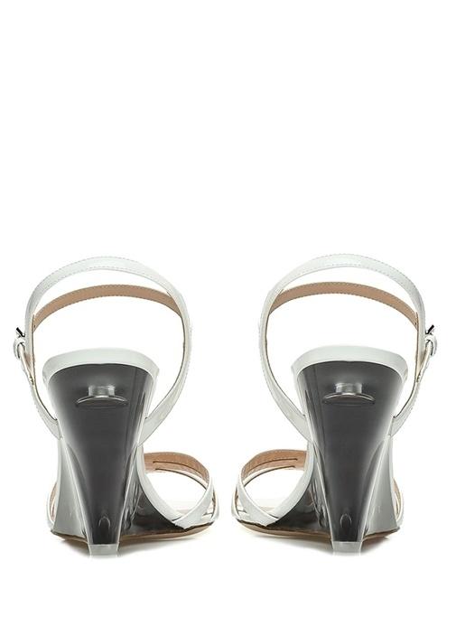 Beyaz Bantlı Topuk Detaylı Kadın Deri Sandalet