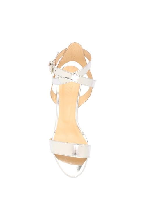 Gümüş Bilekten Bağlı Kalın Topuklu Sandalet