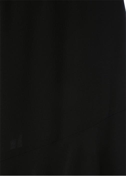 Siyah Boncuk Detaylı Asimetrik Kesim Etek