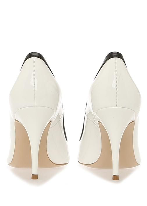 Beyaz Metalik Renk Detaylı Deri Stiletto
