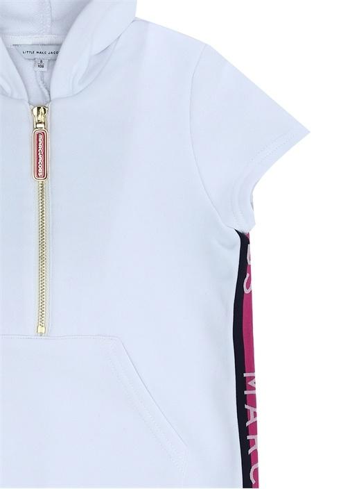 Beyaz Kapüşonlu Şerit Logolu Kız Çocuk Elbise