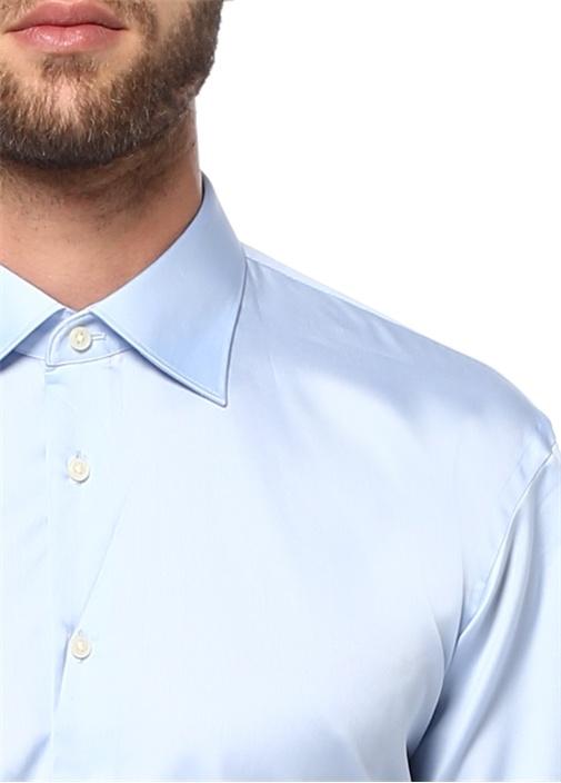 Genis Fit Açik Mavi Erkek Yaka Saten Gömlek