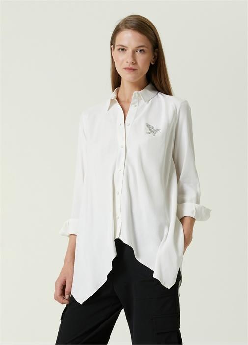 Beyaz Mendil Formlu Logolu Gömlek