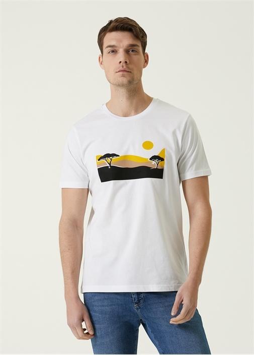 Beyaz Garnili Manzara Baskılı T-shirt