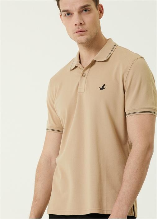 Comfort Fit Bej Polo Yaka Logolu T-shirt