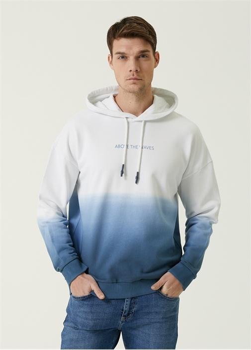 Mavi Kapüşonlu Slogan Baskılı Degradeli Sweatshirt