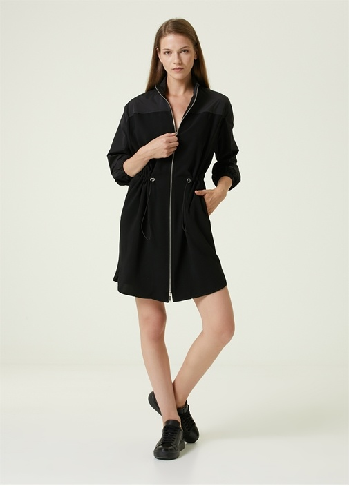 Siyah Dik Yaka Garnili Mini Elbise