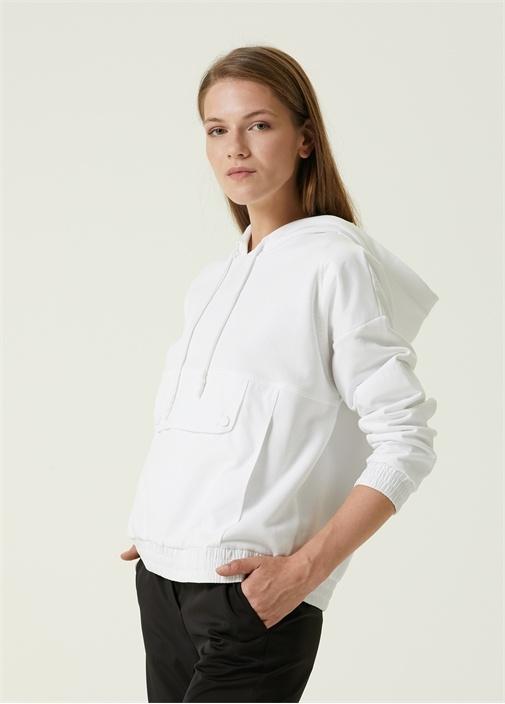 Beyaz Kapüşonlu Cep Detaylı Sweatshirt