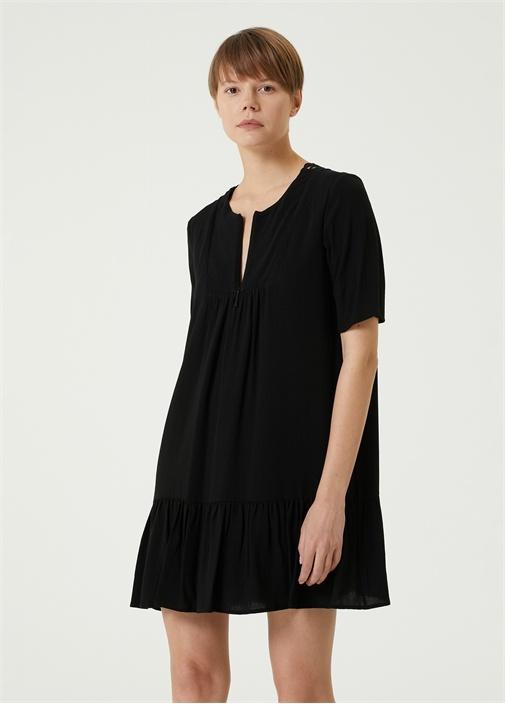 Siyah V Yaka Sırtı Dantelli Mini Elbise