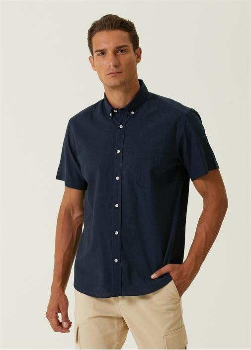 Custom Fit Lacivert Düğmeli Yaka Gömlek