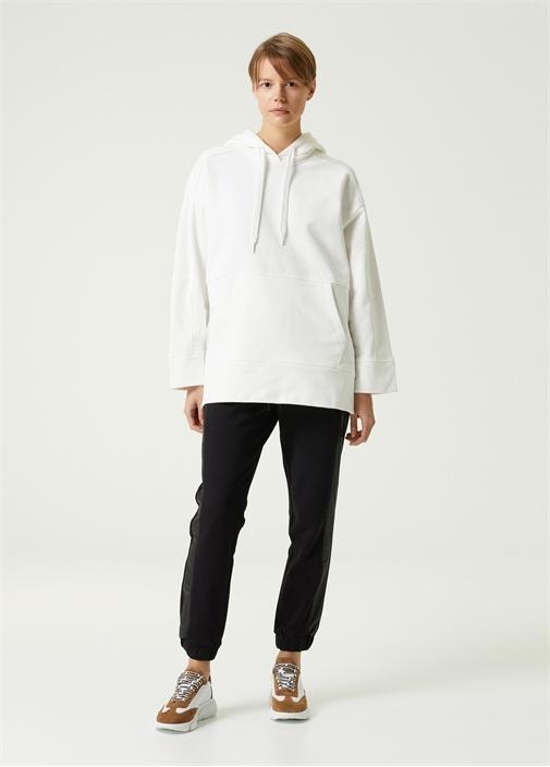 Beyaz Kapüşonlu Yanı Çıtçıtlı Sweatshirt